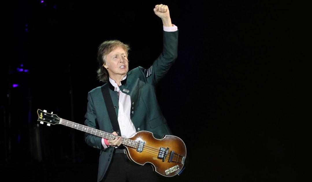 Paul McCartney torna in Italia e sceglie Napoli