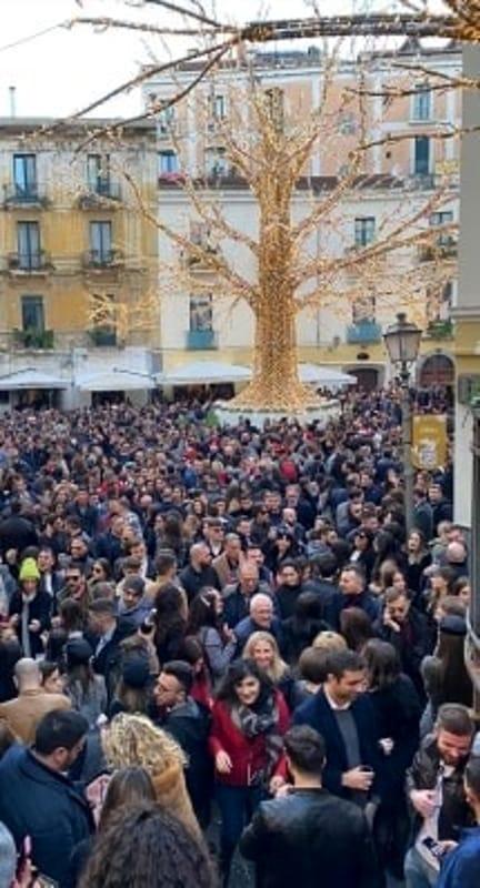 Festività a Salerno, la magia continua: si attende il concerto in piazza Amendola