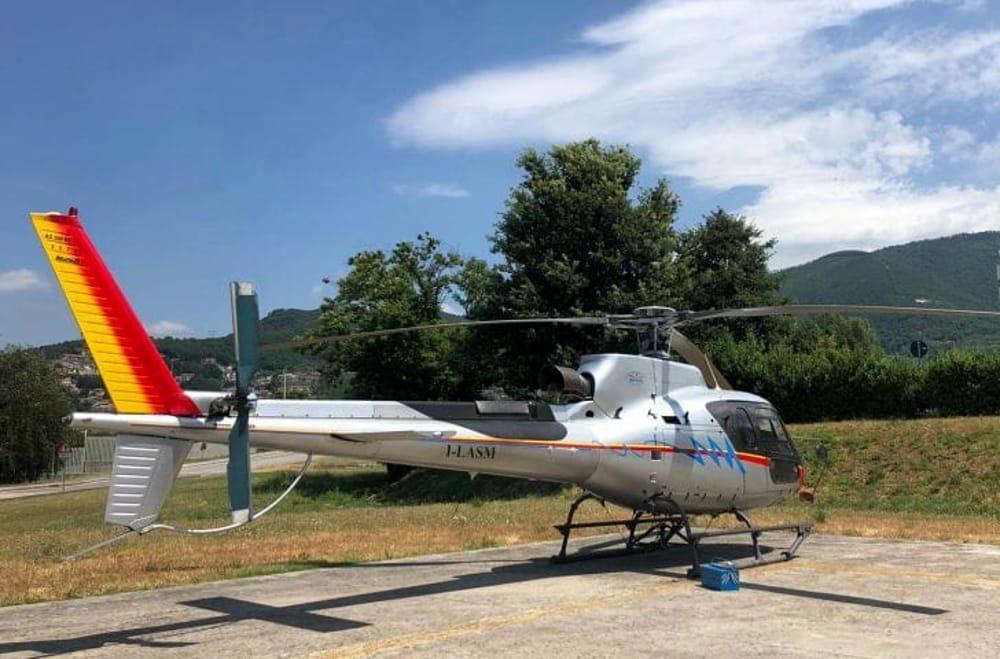 Prevenzione incendi: elicottero sorvola su Salerno e Pontecagnano