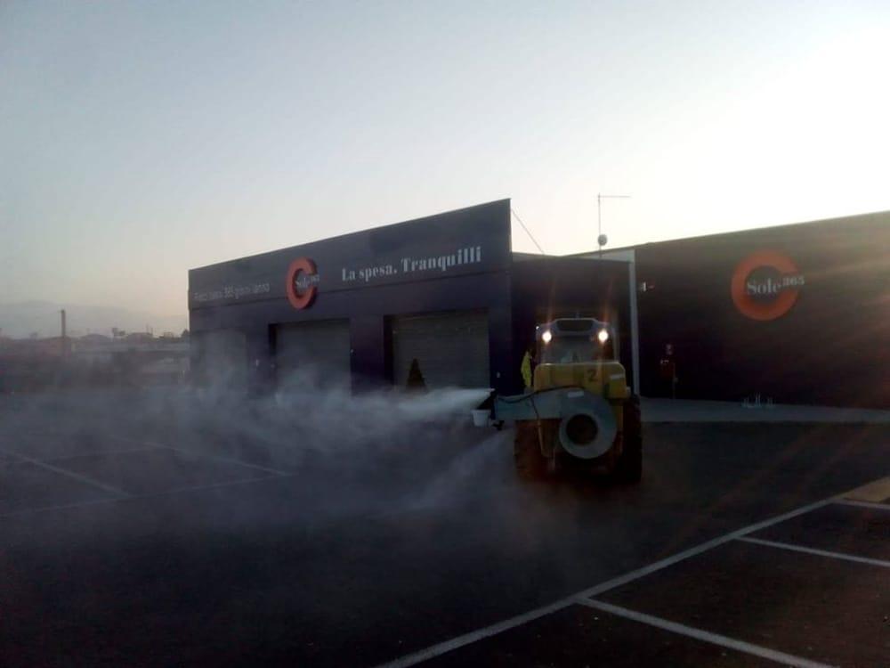 Covid-19: mobilitati i trattori della Coldiretti per sanificare le strade, gli agricoltori donano fieno e uova
