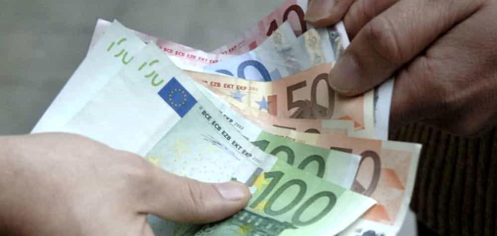 Commerciante sotto estorsione a Bellizzi: arrestati due giovani