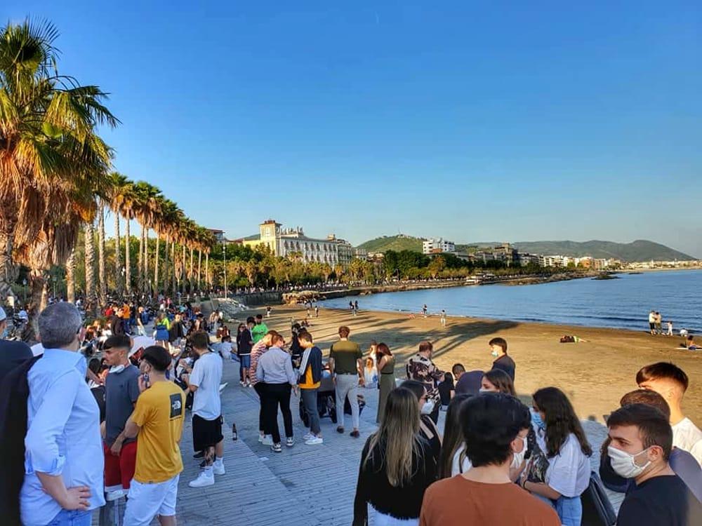 Week-end a Salerno, affollati il lungomare e Santa Teresa