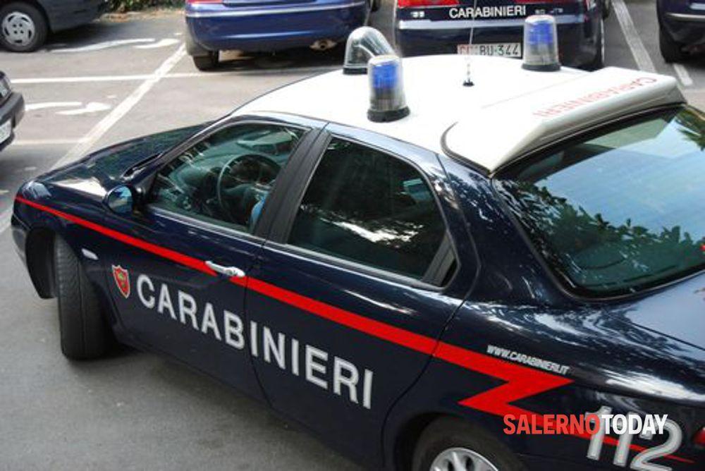 Commercialista e prostituta rapinati a Scafati: indagano i carabinieri