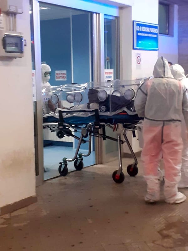 Covid-19: oggi solo lo 0,09% dei tamponi positivi, 2 nuovi contagi all'ospedale di Eboli
