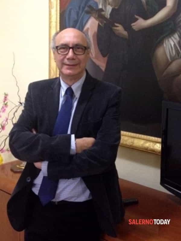 lI dottore Vincenzo Viggiani, dirigente dell'azienda ospedaliera specialistica dei Colli