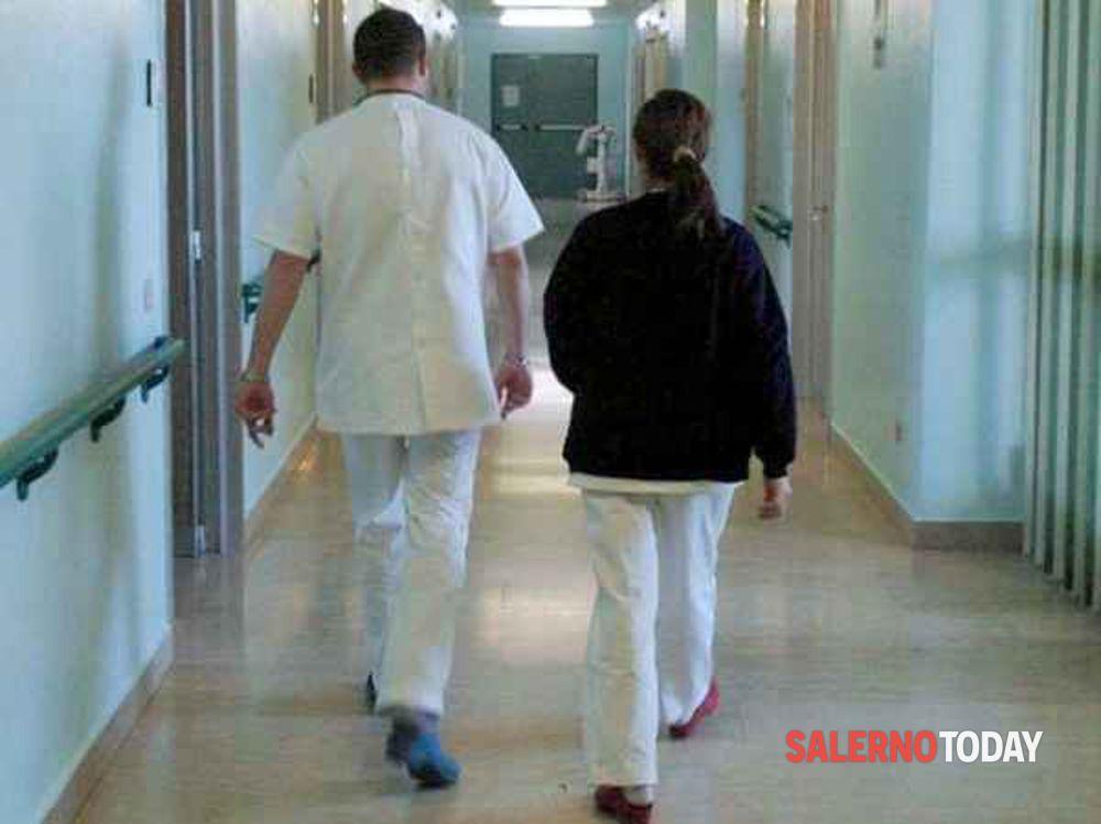Coronavirus, l'infermiera contagiata torna a casa ad Agropoli