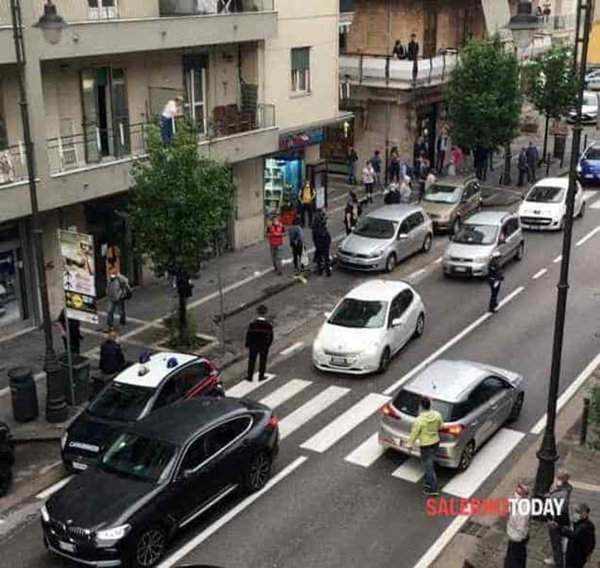 Rissa davanti al negozio di casalinghi: quattro denunce a Pontecagnano
