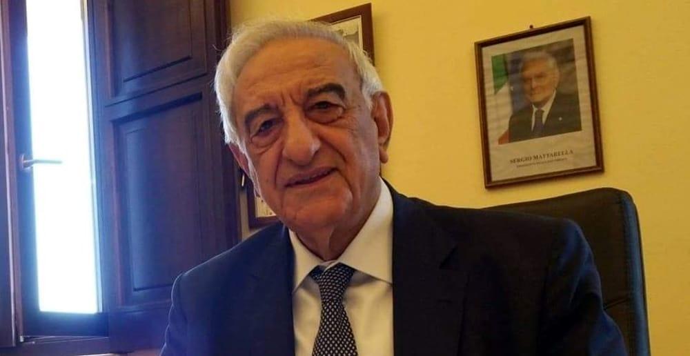 Lutto a Polla, è morto lo storico sindaco Rocco Giuliano