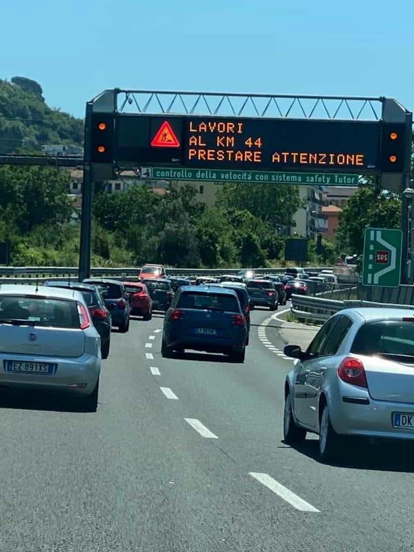 Lavori su A3 Napoli-Salerno, traffico in tilt: Cirielli scrive a Costa e De Micheli