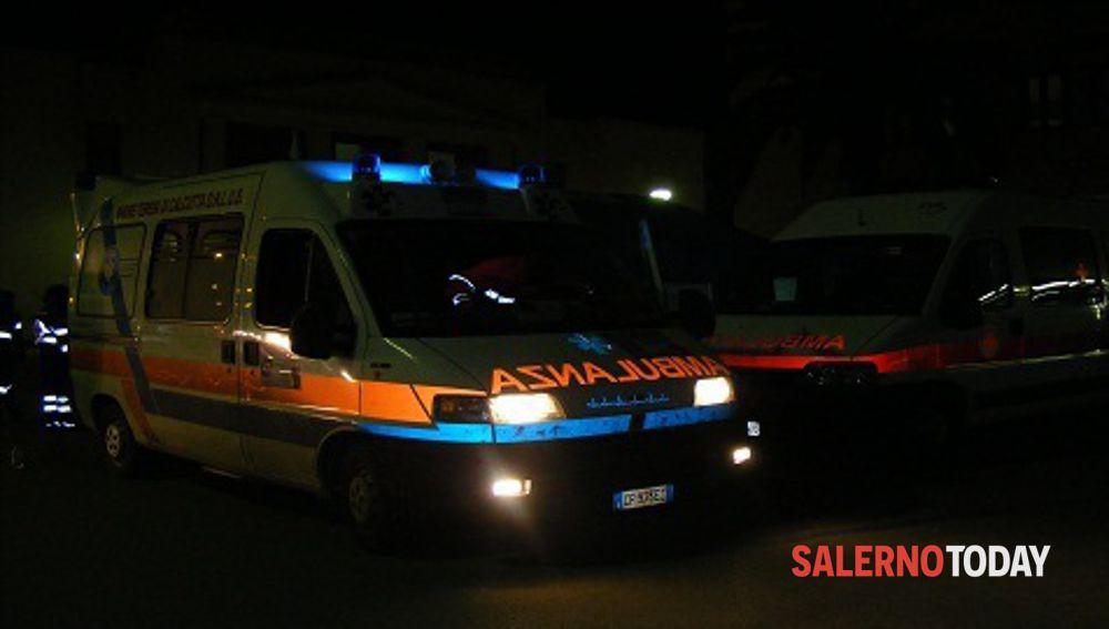 Incidente tra auto e moto a Salerno: uomo ferito in ospedale