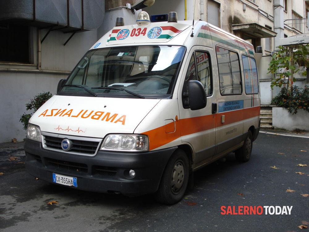 Incidente in autostrada, a San Severino: camion contro auto