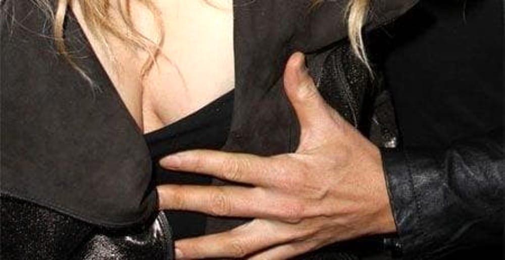 Si denuda e palpeggia il seno ad una donna: arrestato straniero a Sarno
