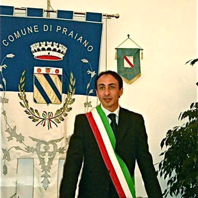Si fa consegnare una mazzetta da 250 euro: arrestato il sindaco di Praiano Di Martino