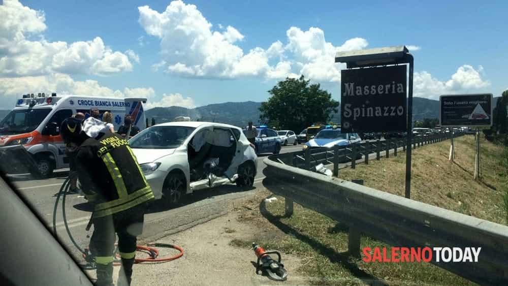 Incidente tra 3 auto lungo la SS18 ad Agropoli: traffico in tilt