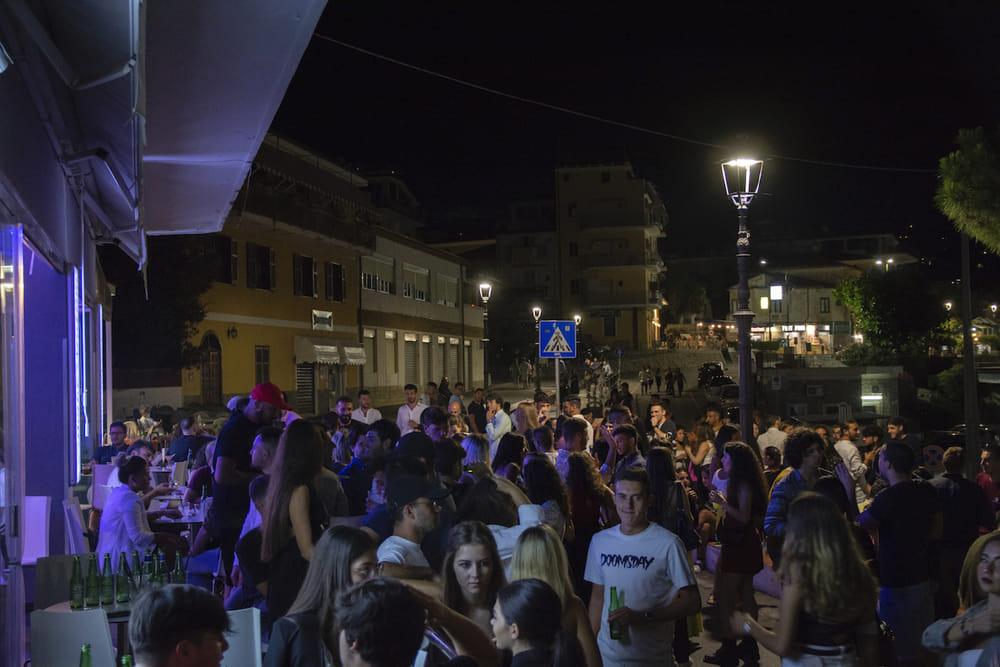 """Camerota, marchio """"covid free"""" fa esplodere le spiagge: boom di turisti"""