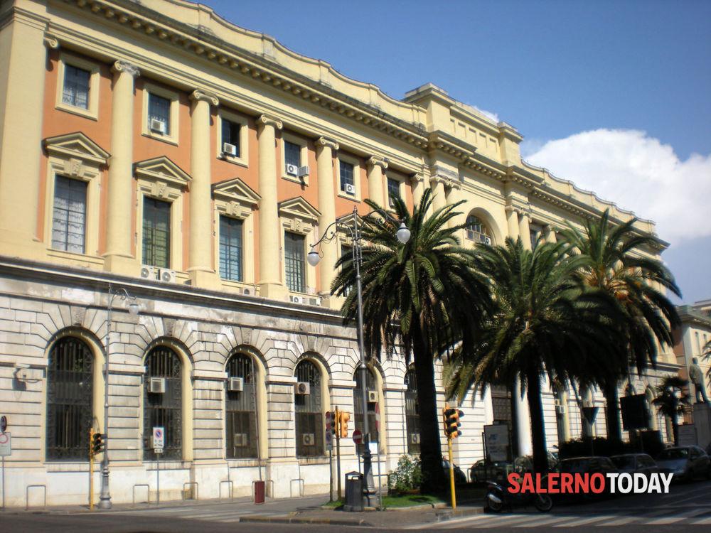 Spaccio a Salerno, boss e pusher in silenzio davanti al giudice
