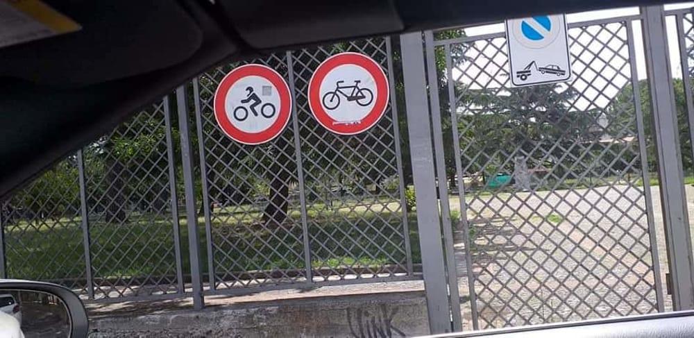 Battipaglia, bimba travolta da una bici nella villa comunale: l'appello