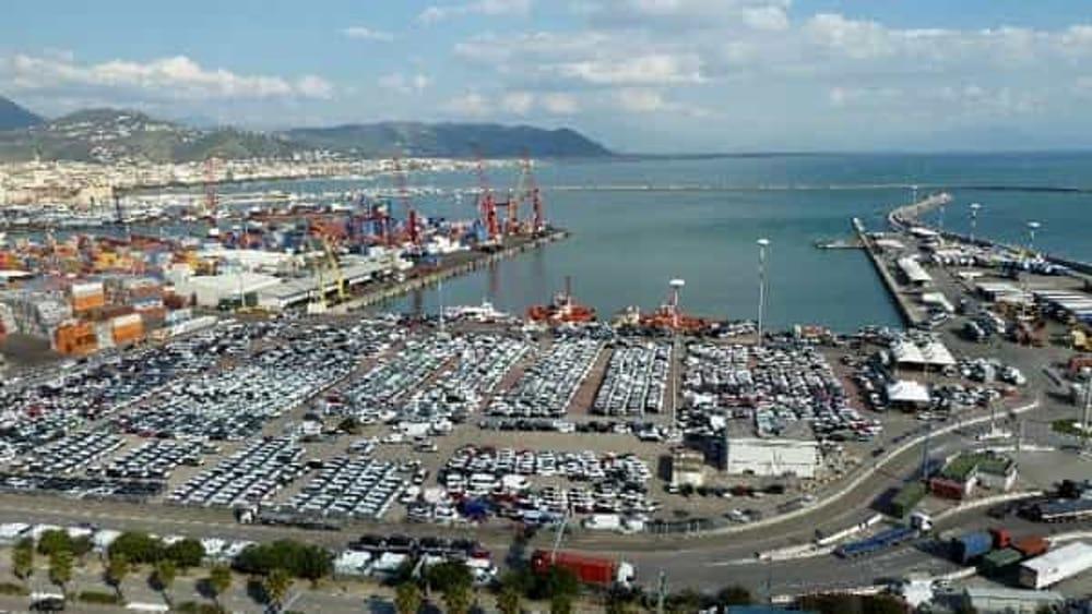 """Porto di Salerno, blitz della Finanza: maxi sequestro di droga """"made in Isis"""""""