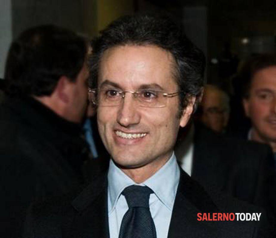 """Caldoro, attacco a De Luca: """"Orgoglio irpino contro cafone di Salerno"""""""