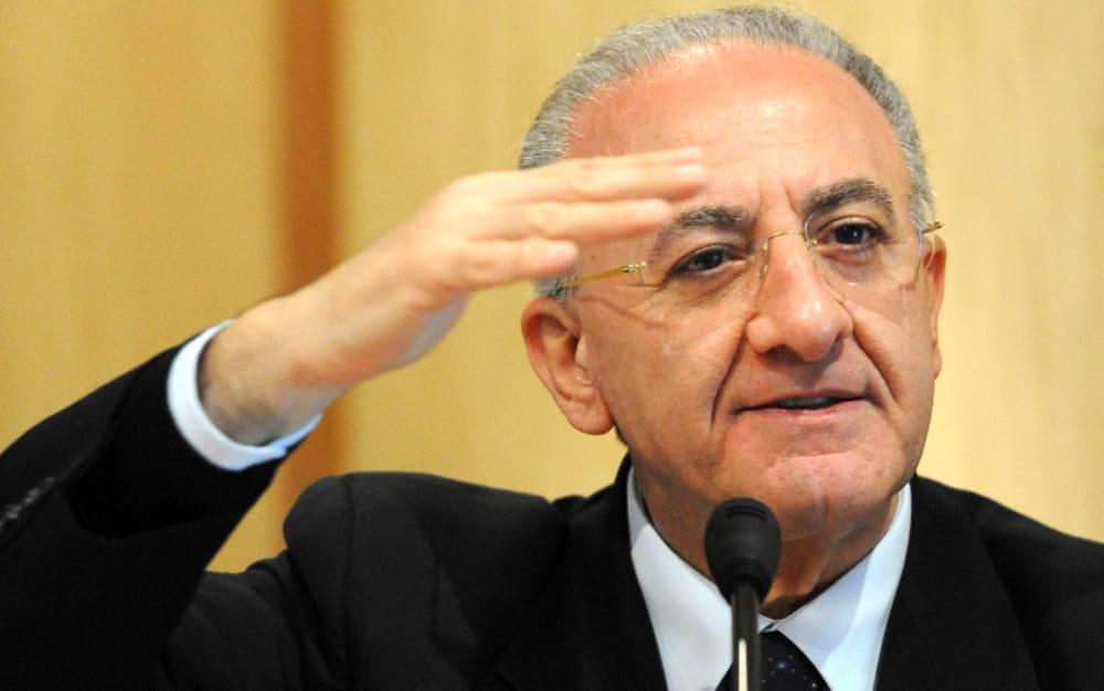 Classifica di gradimento dei governatori: Vincenzo De Luca all'undicesimo posto