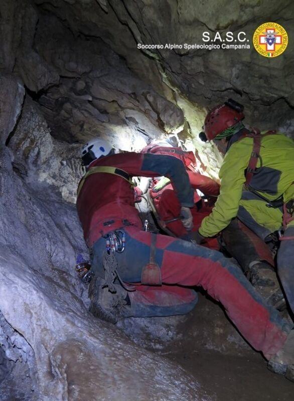 Infortunio nella grotta: scatta il salvataggio, ma è una simulazione