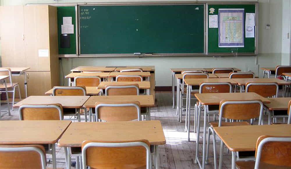 """Insegnanti """"fragili"""" e scuola a rischio: nel salernitano 500 docenti pensano alle lezioni a distanza"""