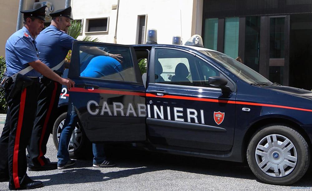 """Richiesta di amicizia sui social, pestato dal """"branco"""" a Pontecagnano: arrestati quattro giovani"""