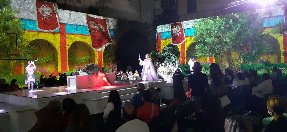 """Minori: la Villa Romana rivive nel """"Drama de Antiqvis"""" grazie al videomapping 3D"""