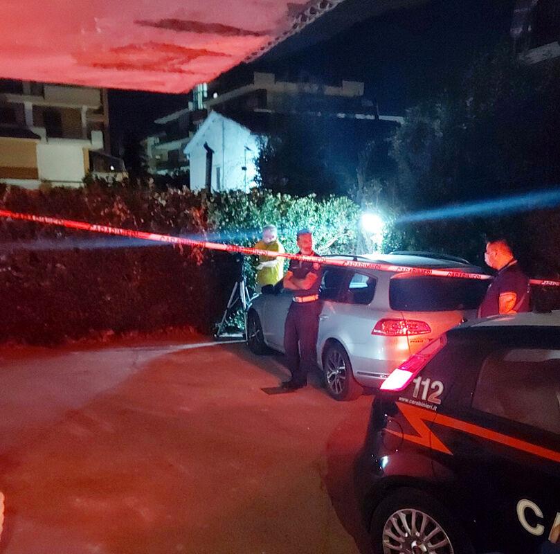 """Neonata """"lanciata"""" dal secondo piano a Roccapiemonte, fermati i genitori: l'altro figlio affidato ai familiari"""