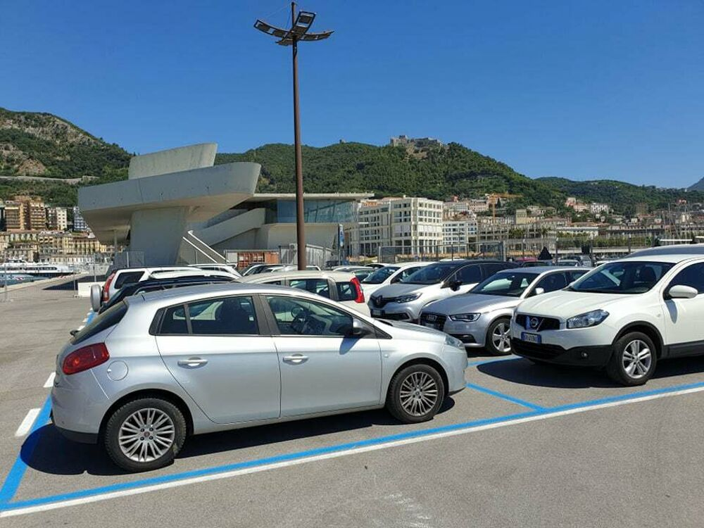 """Lavori sul Molo Manfredi, l'area adibita a parcheggio """"ritorna"""" all'ente portuale"""