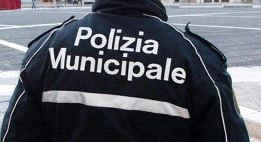 Abusivismo edilizio ad Agropoli, blitz dei vigili: scattano due sequestri