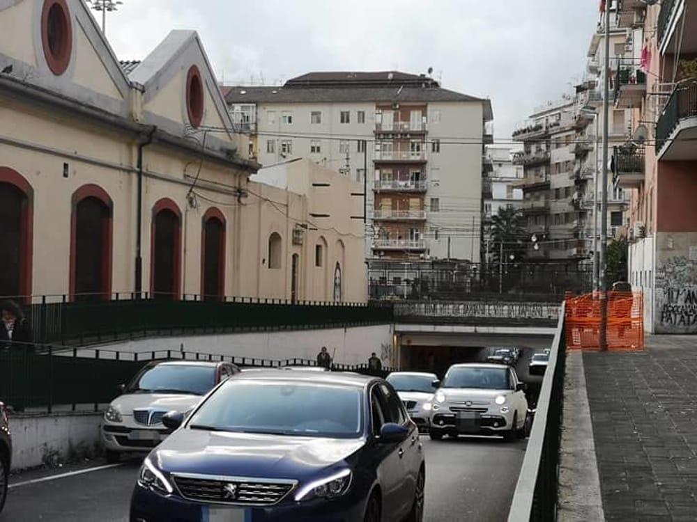 Urla in strada nella notte, in via Dalmazia: residenti svegliati da una coppia