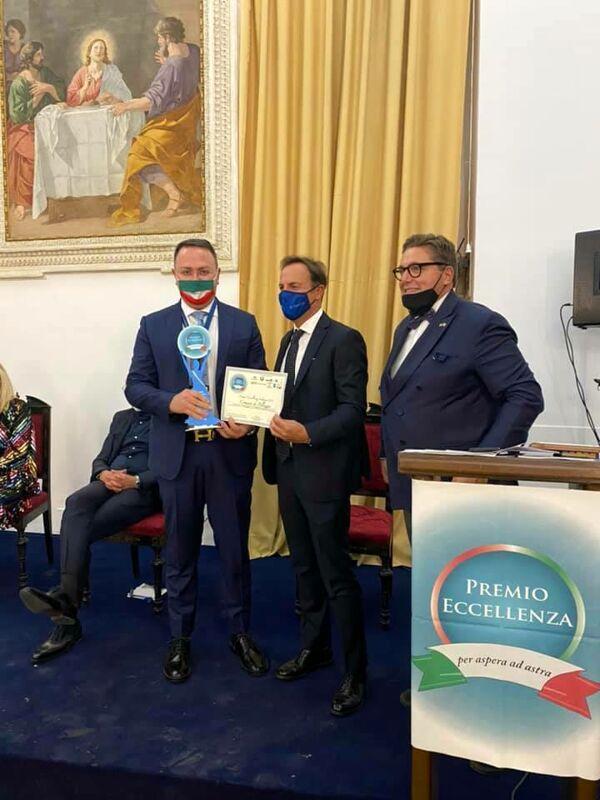 """Pellezzano, il sindaco Morra riceve il """"Premio di Eccellenza Italiana"""""""