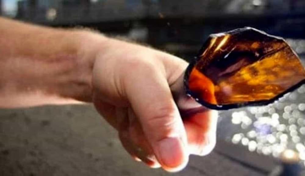 Minaccia con bottiglia di vetro dipendente comunale: arrestato commerciante a Sapri