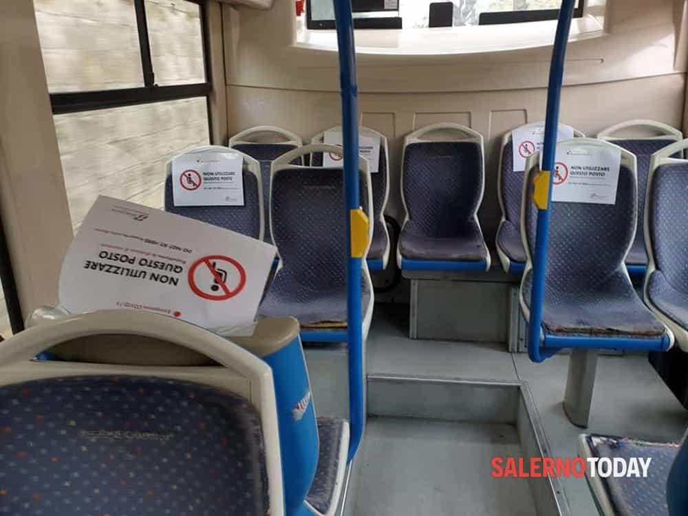 Ragazzino starnutisce sul bus e viene preso a schiaffi: arrestato 58enne a Vibonati