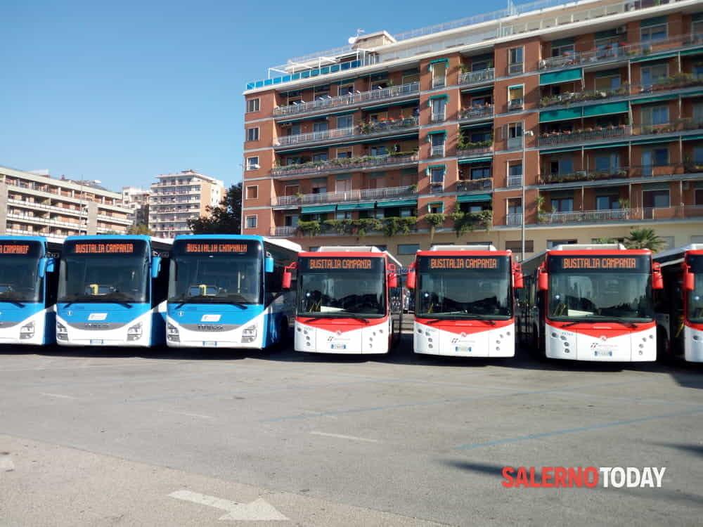 Coronavirus in Campania, la Regione attiva altri 60 autobus per il trasporto