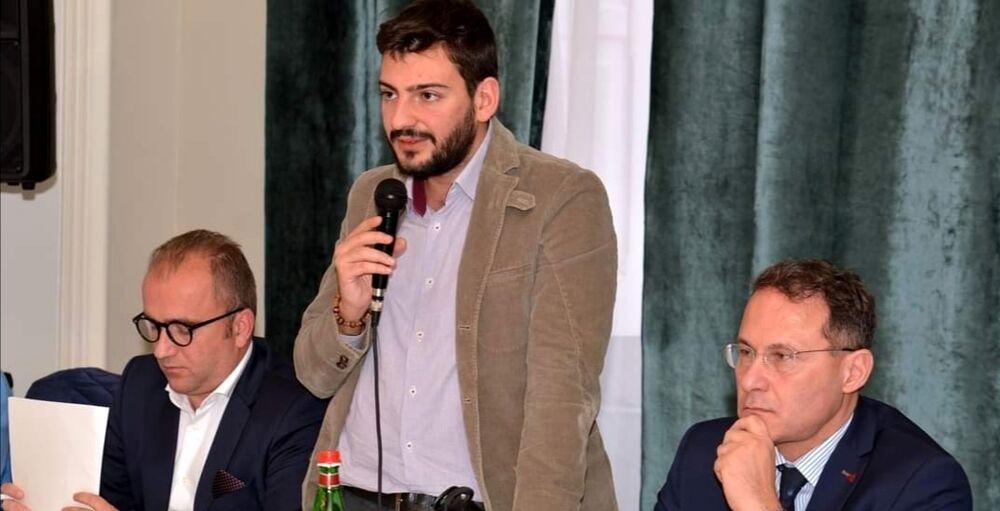 """Proteste per l'ordinanza anti-Covid di De Luca, Caroccia (FdI) e Dianese (GN): """"Il re è nudo"""""""