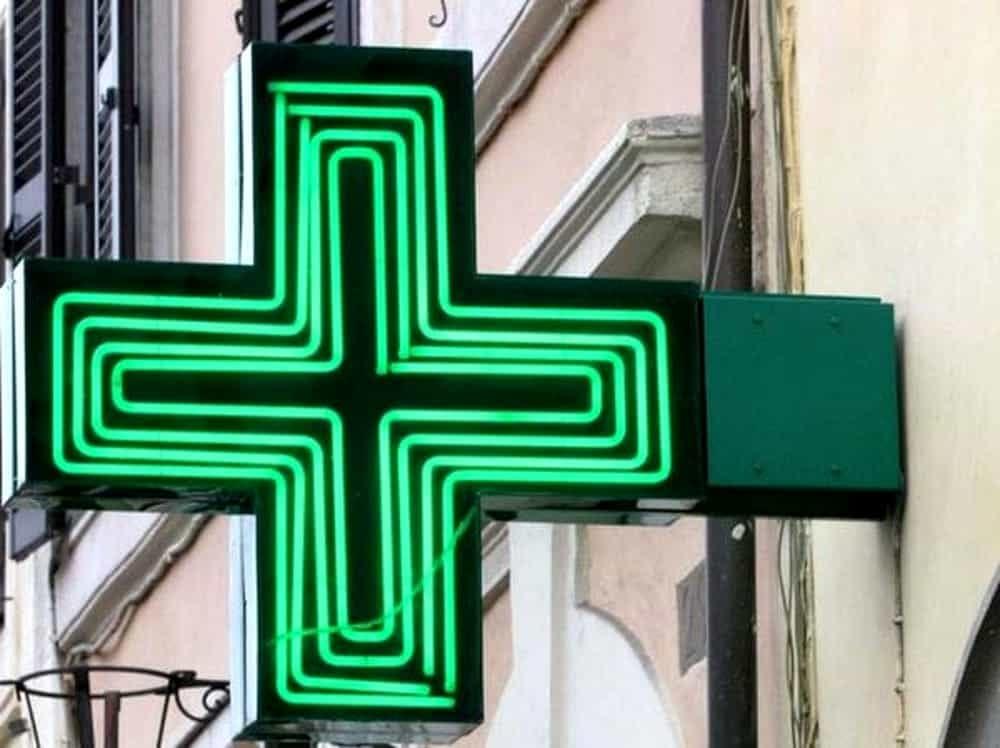 Rapinò farmacia comunale a Salerno: arrestato 41enne