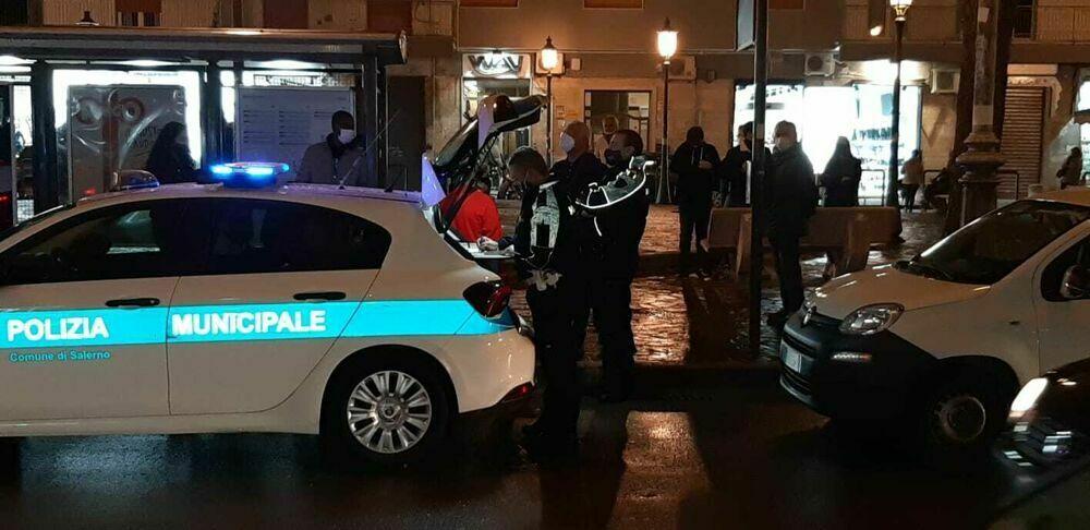 Blitz anti-Covid nella movida: pioggia di sanzioni a giovani e locali, chiusi due esercizi