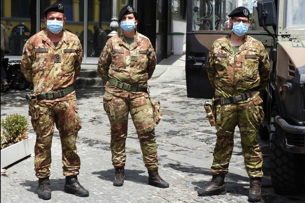 """Emergenza Covid-19, De Luca dal Ministro dell'Interno: """"In arrivo 100 militari"""""""