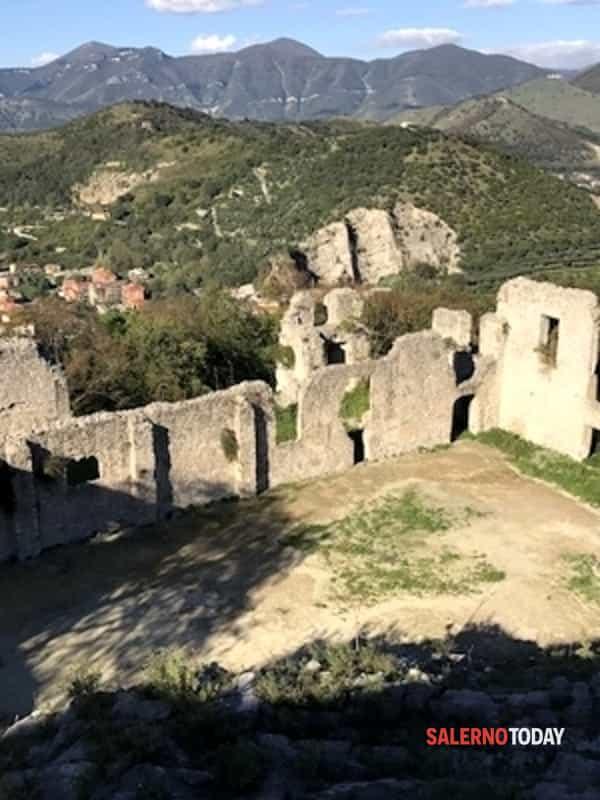 """""""Ridiamo vita al castello"""": ripartono le visite all'antico maniero"""