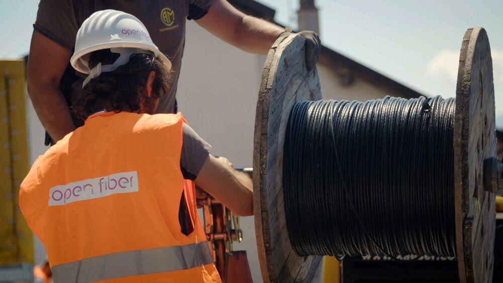 Battipaglia ultraveloce con la fibra ottica Open Fiber: investimento privato di 5 milioni