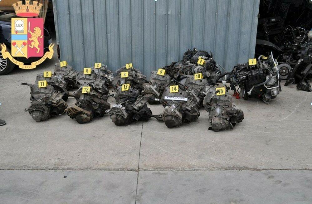 Officina di auto rubate: denunciato 57enne, blitz a San Valentino Torio