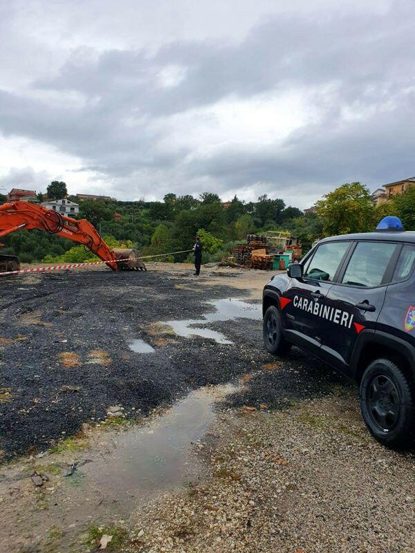 Smaltimento illecito di rifiuti a Palomonte: scatta il sequestro, il blitz