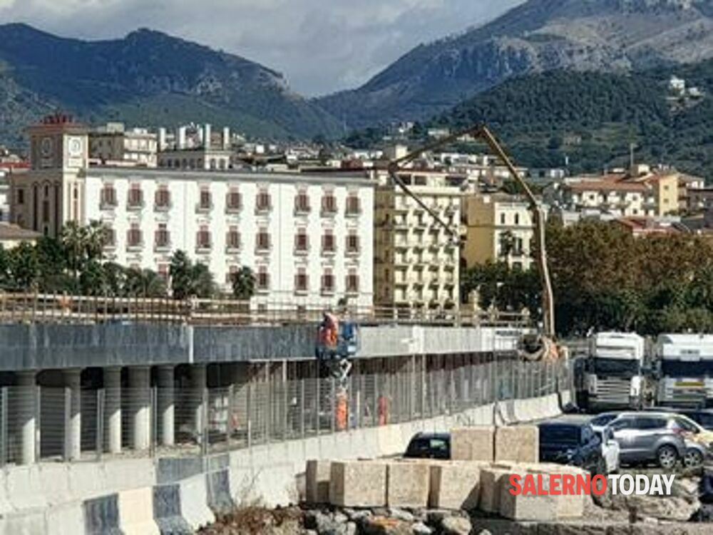 La Piazza della Libertà prende forma: lavori in corso anche al Molo Manfredi