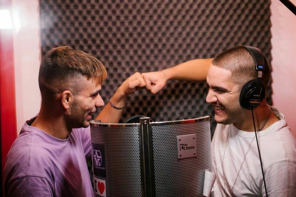 """Sanremo Giovani 2021: Polix e Mr Fortuna hanno presentato il loro brano """"top secret"""""""