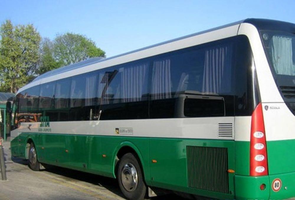 Sovraffollamento sui bus a rischio Covid: il sindaco di Giffoni fa appello alla Regione e alla Sita