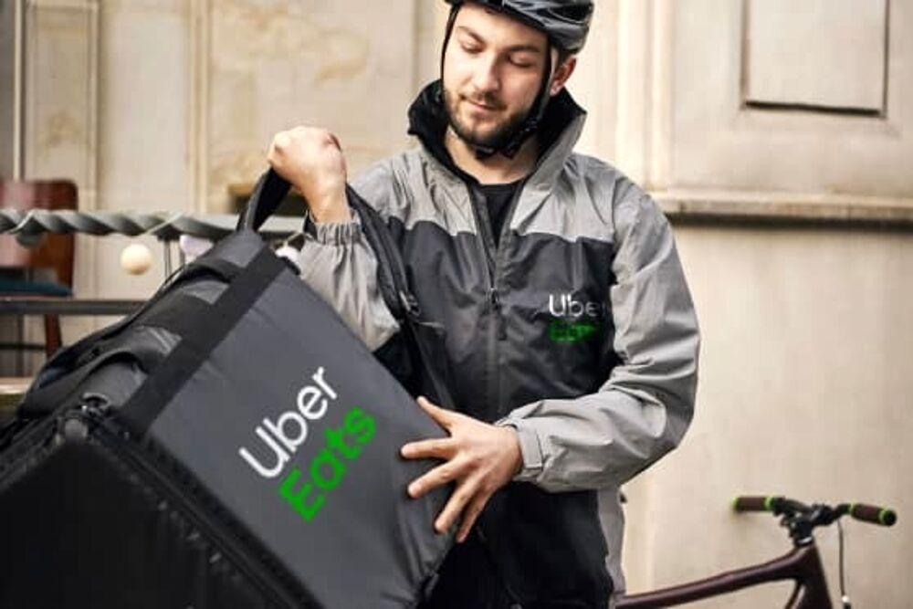 Food delivery: arriva a Salerno Uber Eats