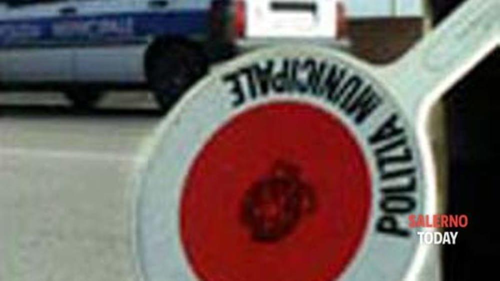 Incidente tra 3 auto a Pagani: un ferito, indagini in corso