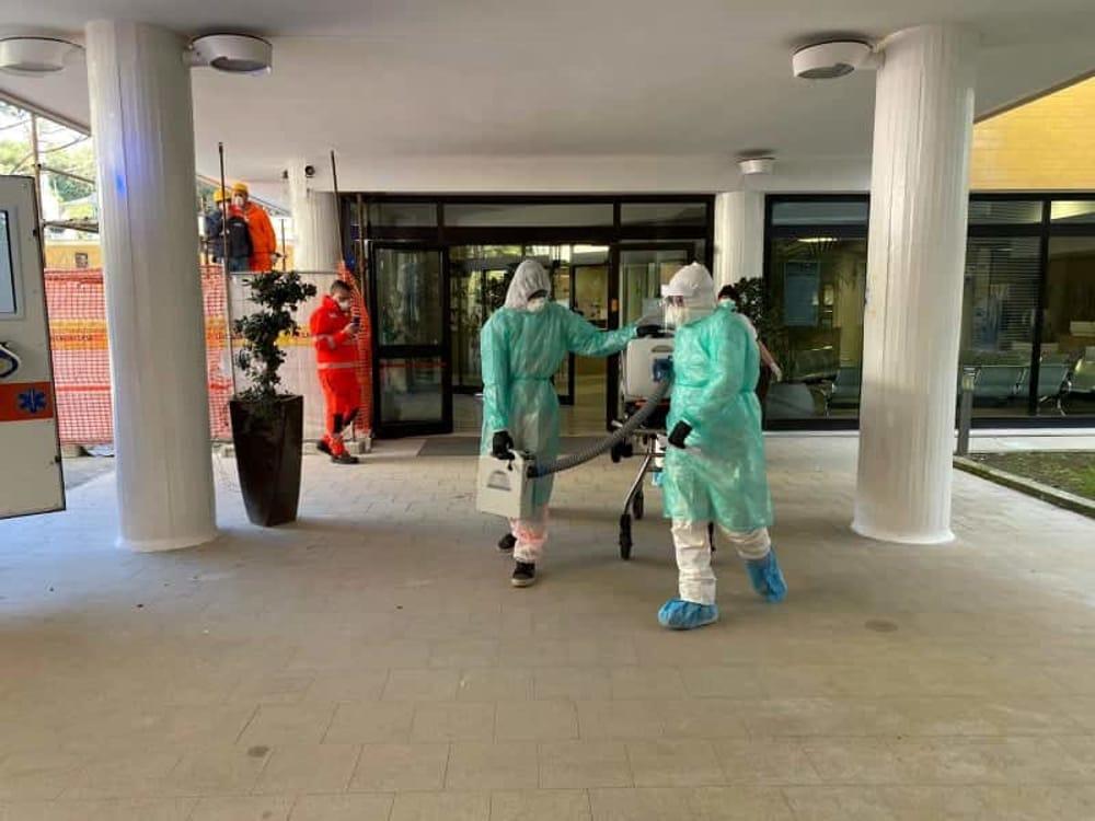 Covid-19: contagiata un'addetta all'ospedale di Atena Lucana, attenzione alta a Polla e Montano Antilia